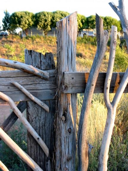 Elm gate